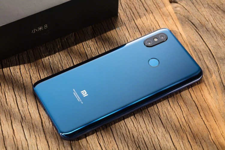 Смартфон Xiaomi Pocophone F1 получил долгожданное обновление