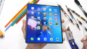 Huawei Mate X2 оказался весьма прочным