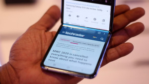 Новый складной смартфон Huawei показали на фото