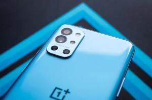 Смартфон OnePlus 9RT показали на рендерах