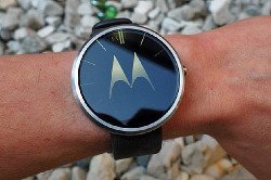 Смарт-часы Zeaplus Watch DM360 копируют дизайн Moto 360