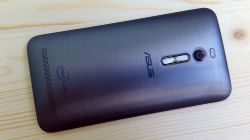 На ASUS ZenFone 2 запустили Windows 7