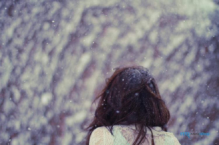 Картинки девушки со спины зимой с темными